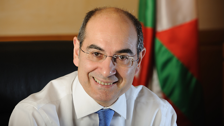 Jon Darpon Sierra. Consejero de Salud, Salud